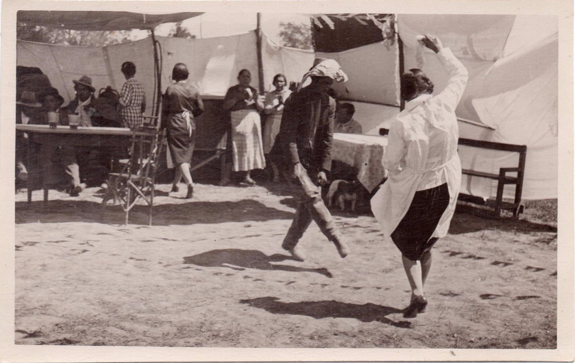 Enterreno - Fotos históricas de chile - fotos antiguas de Chile - Fonda en 1940