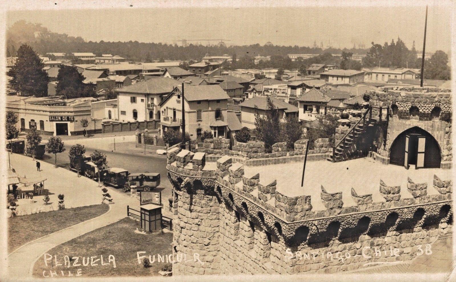 Enterreno - Fotos históricas de chile - fotos antiguas de Chile - Plazuela del Funicular de Santiago en 1922