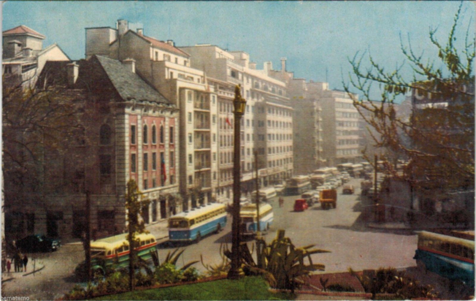 Enterreno - Fotos históricas de chile - fotos antiguas de Chile - Calle Santa Lucia, Santiago, 1950