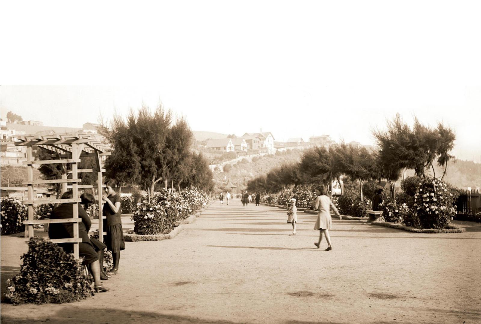 Enterreno - Fotos históricas de chile - fotos antiguas de Chile - Costanera en San Antonio en 1940