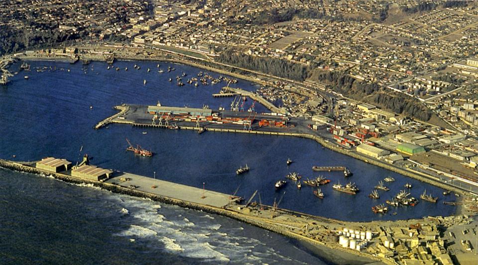 Enterreno - Fotos históricas de chile - fotos antiguas de Chile - Puerto de San Antonio en 1987