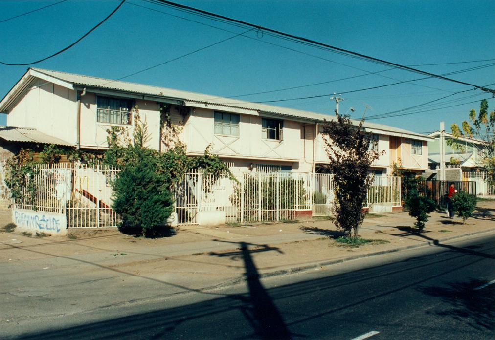 Enterreno - Fotos históricas de chile - fotos antiguas de Chile - Casas de Puente Alto en 1995