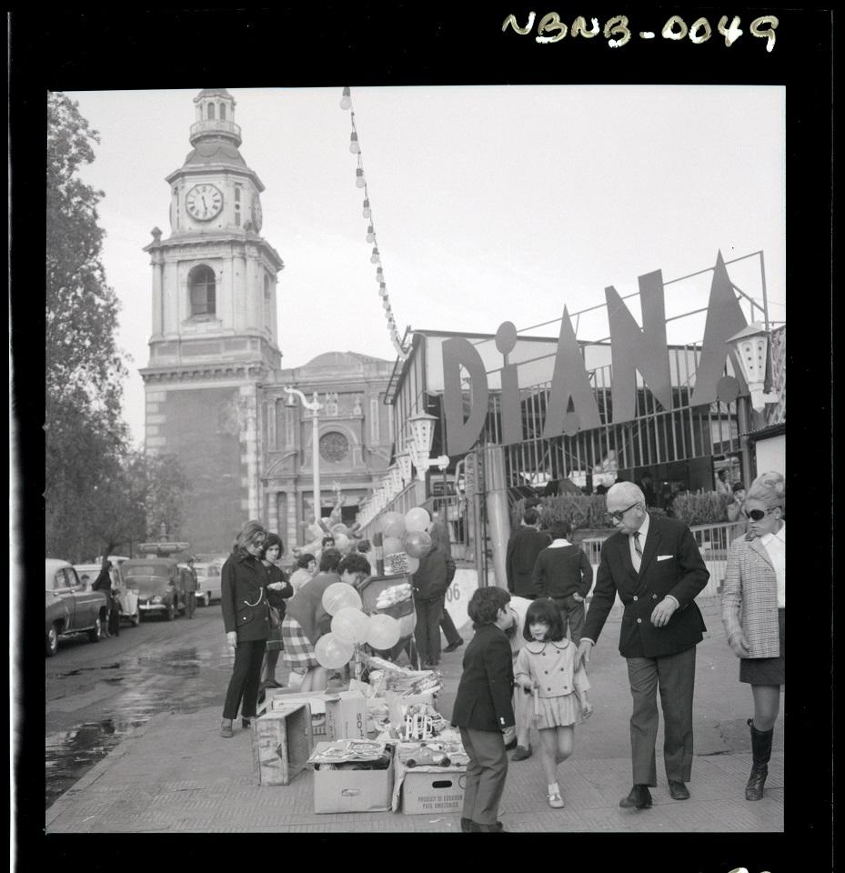 Enterreno - Fotos históricas de chile - fotos antiguas de Chile - Juegos Diana en 1968