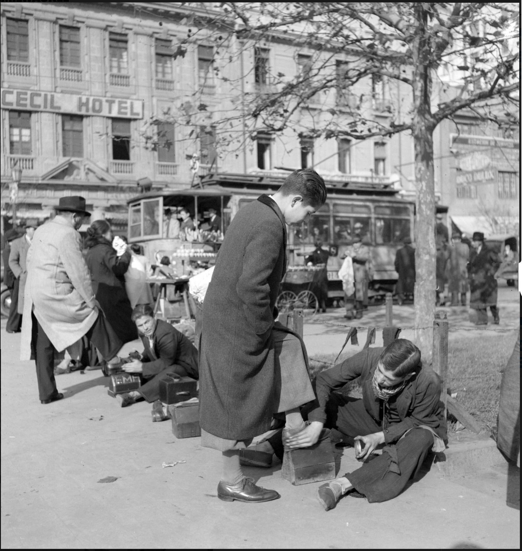 Enterreno - Fotos históricas de chile - fotos antiguas de Chile - Alameda de Santiago en 1930