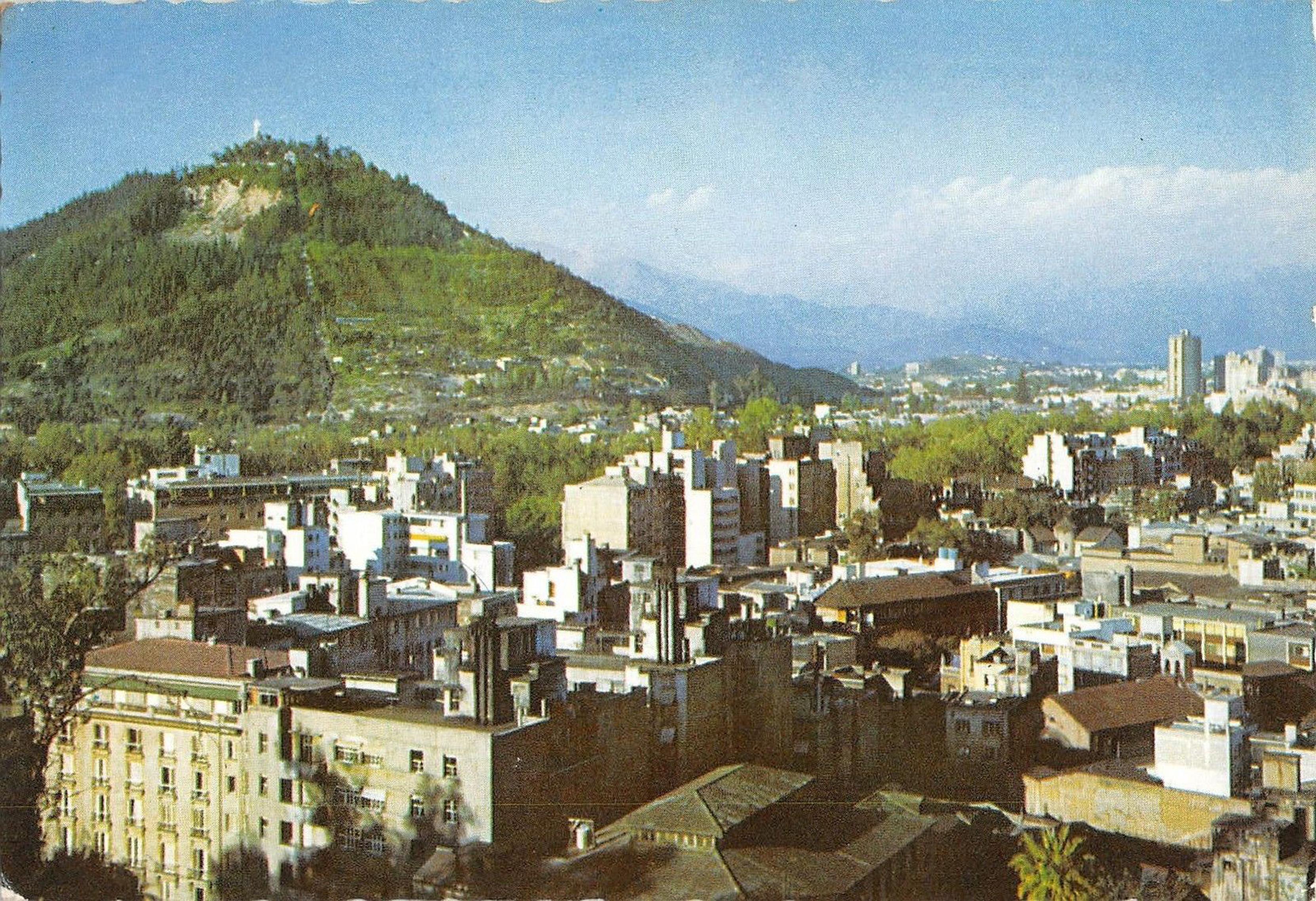 Enterreno - Fotos históricas de chile - fotos antiguas de Chile - Centro de Santiago en 1965