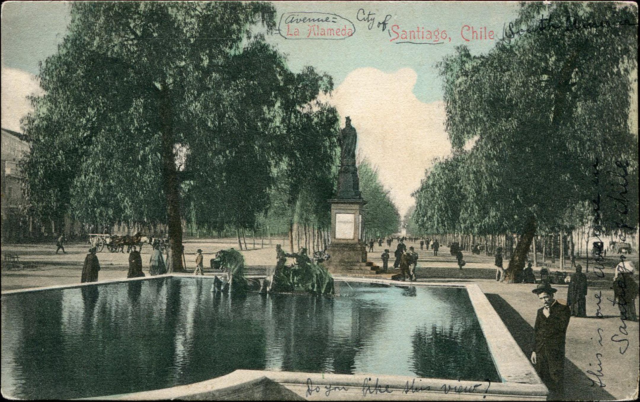 Enterreno - Fotos históricas de chile - fotos antiguas de Chile - Fuente de Neptuno en La Alameda de Santiago, 1900