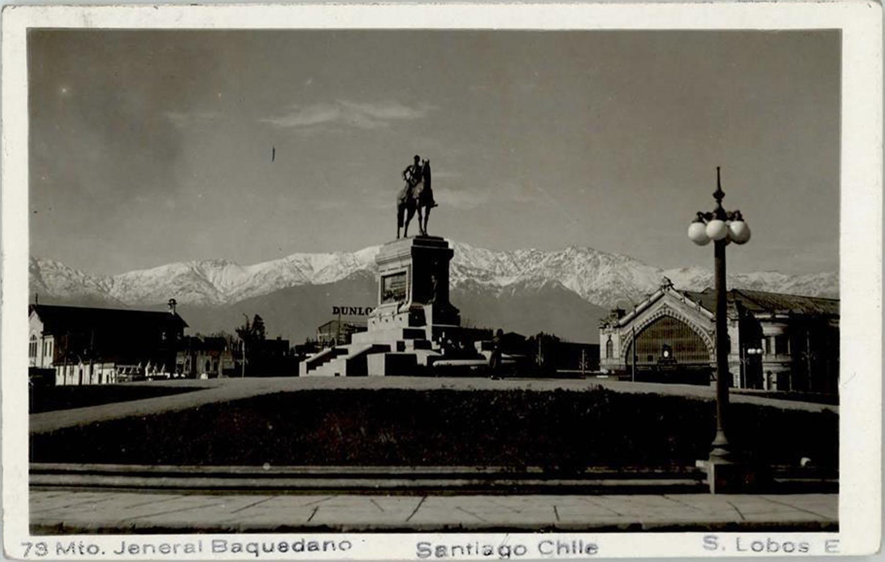 Enterreno - Fotos históricas de chile - fotos antiguas de Chile - Plaza Italia, hoy Baquedano, año 1940