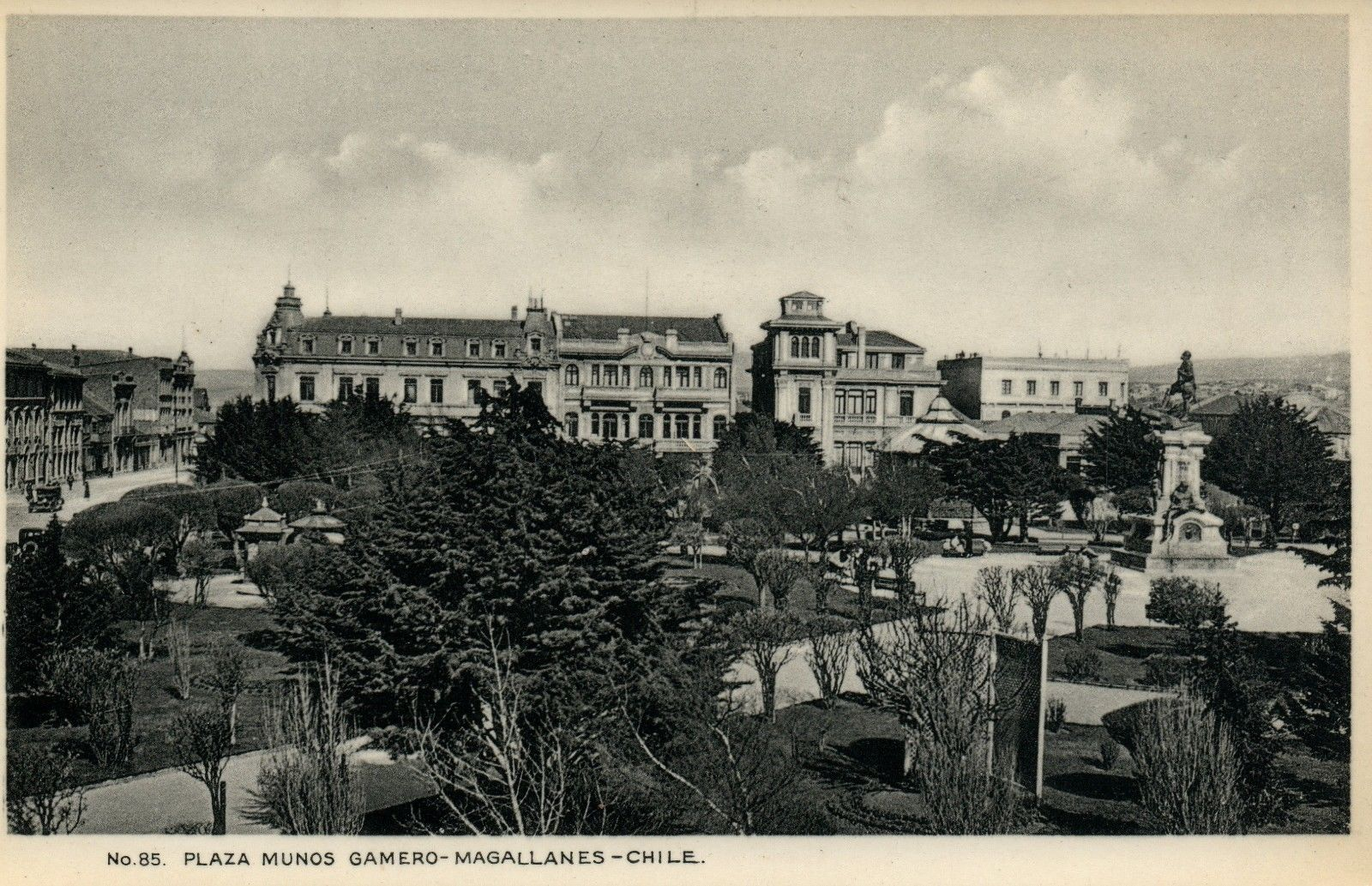 Enterreno - Fotos históricas de chile - fotos antiguas de Chile - Plaza Muñoz Gamero de Punta Arenas, 1930