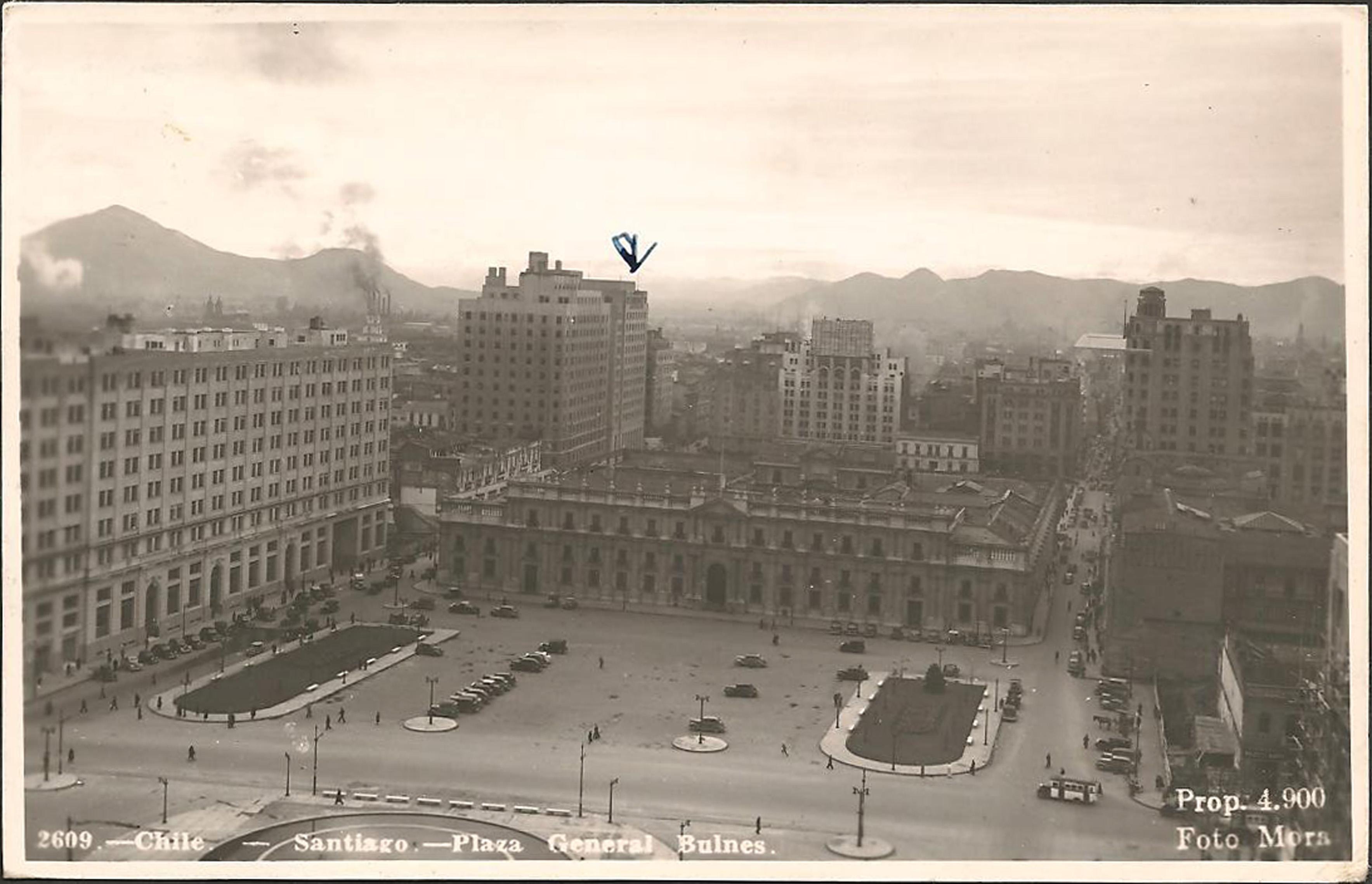 Enterreno - Fotos históricas de chile - fotos antiguas de Chile - Plaza Bulnes en Santiago en 1940