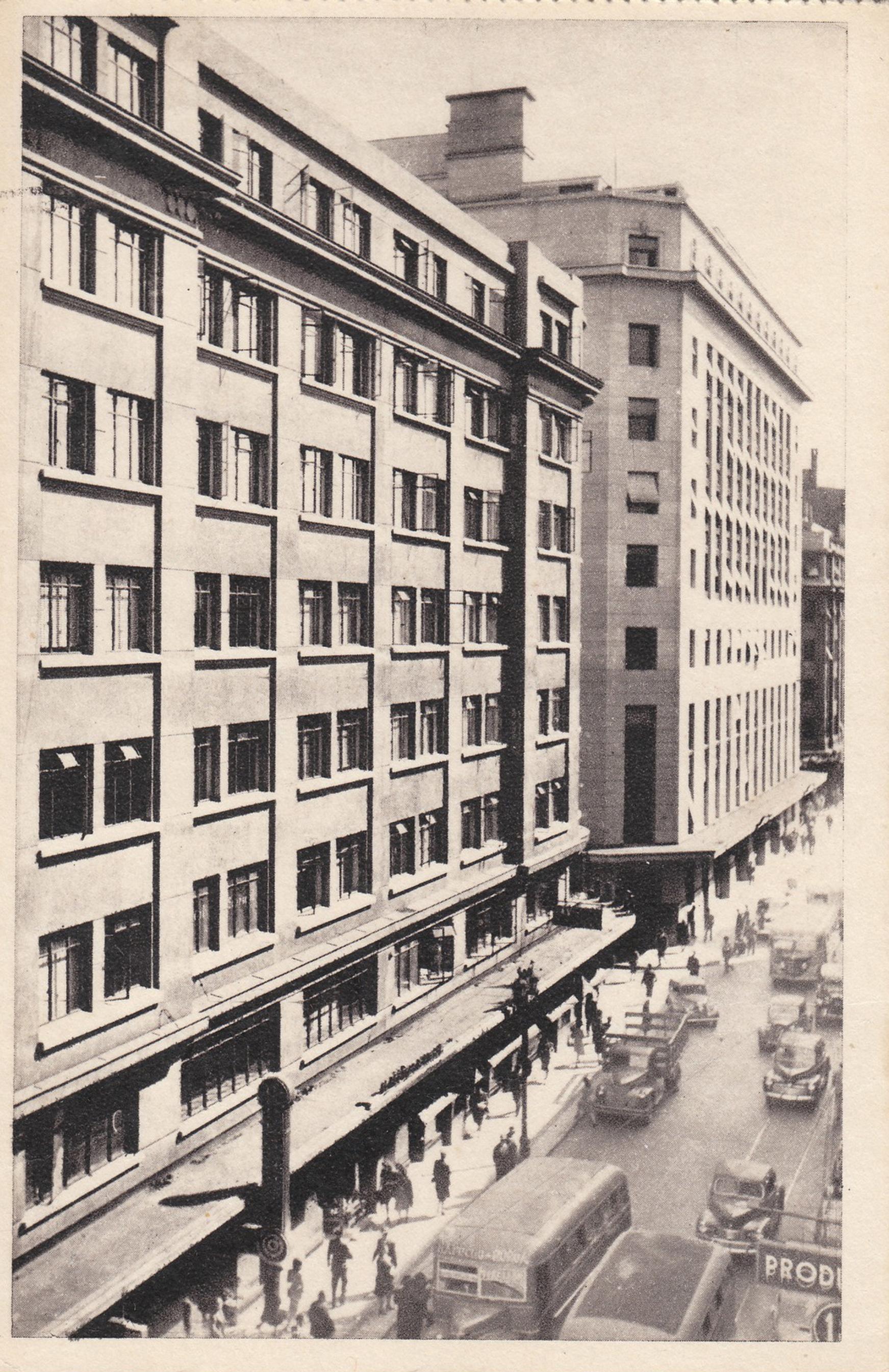 Enterreno - Fotos históricas de chile - fotos antiguas de Chile - Calle Ahumada de Santiago en 1948
