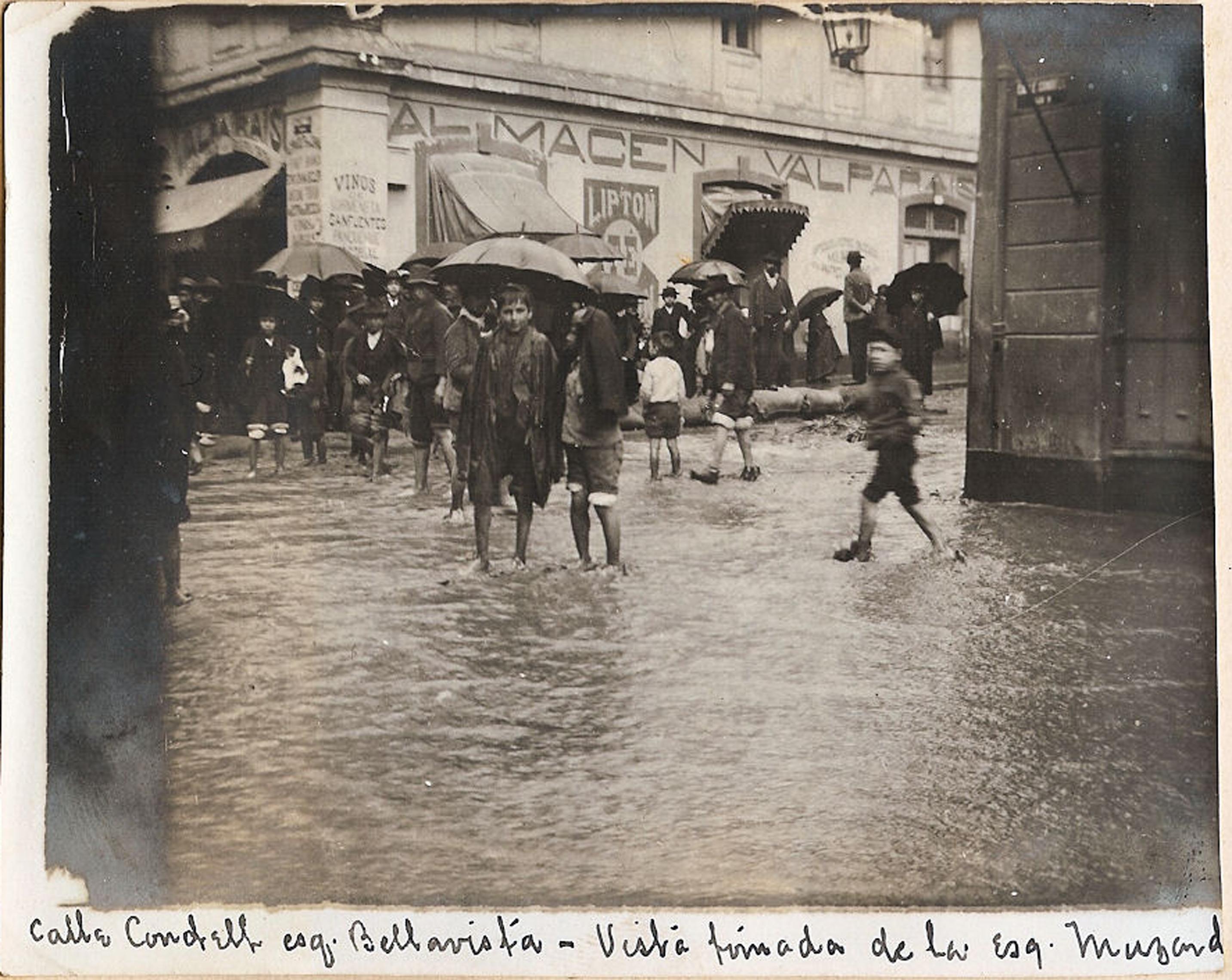 Enterreno - Fotos históricas de chile - fotos antiguas de Chile - Temporal e inundación en Valparaíso, 1899