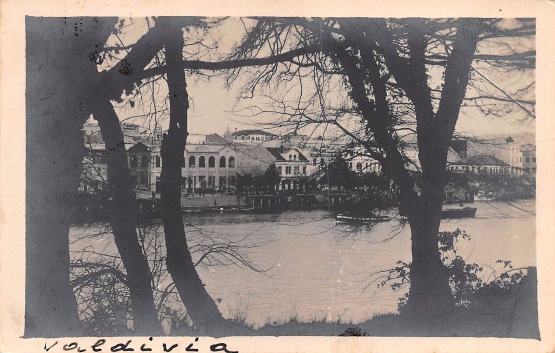 Enterreno - Fotos históricas de chile - fotos antiguas de Chile - Valdivia en 1934