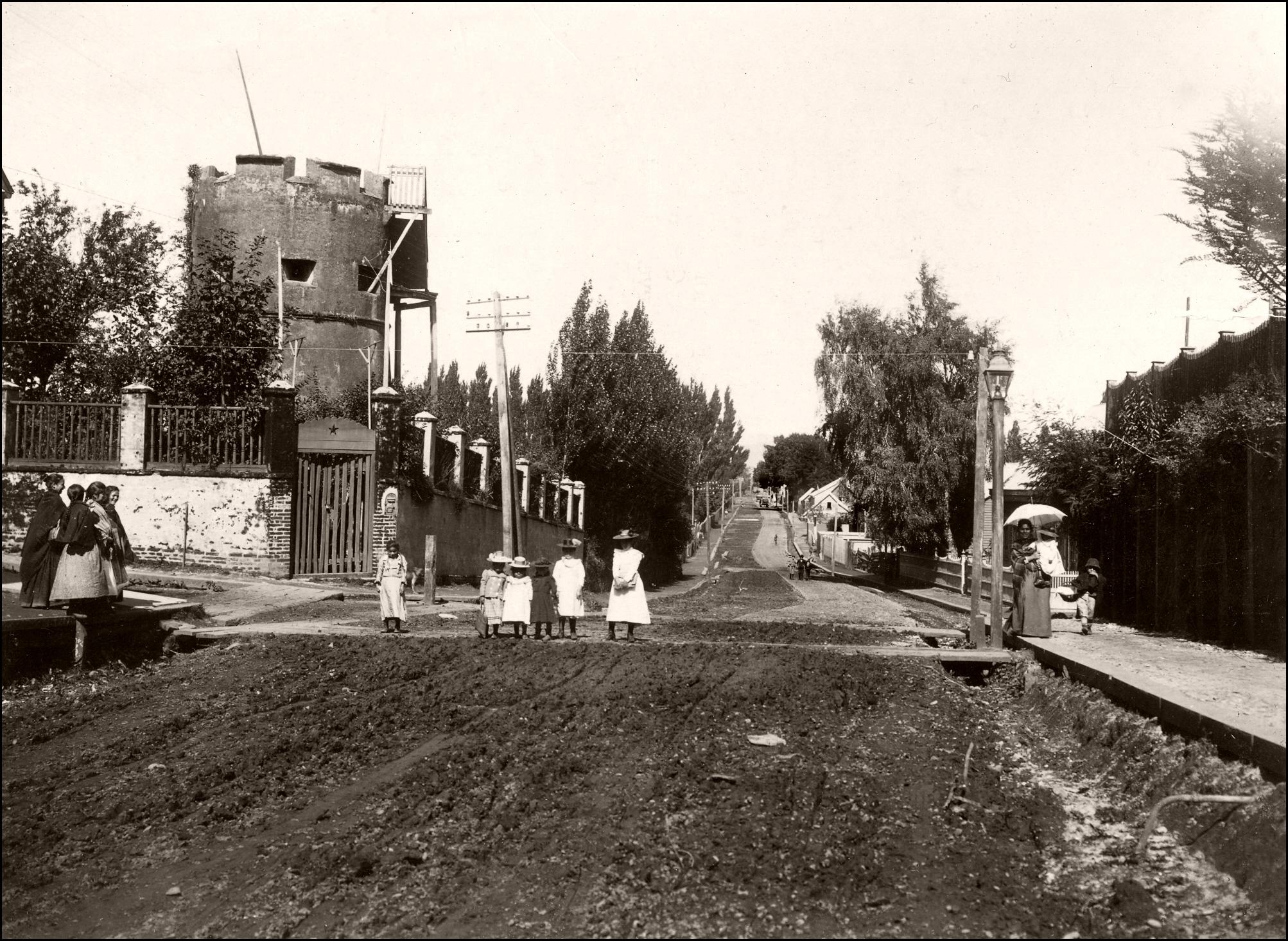 Enterreno - Fotos históricas de chile - fotos antiguas de Chile - Torreón colonial en Valdivia, 1901