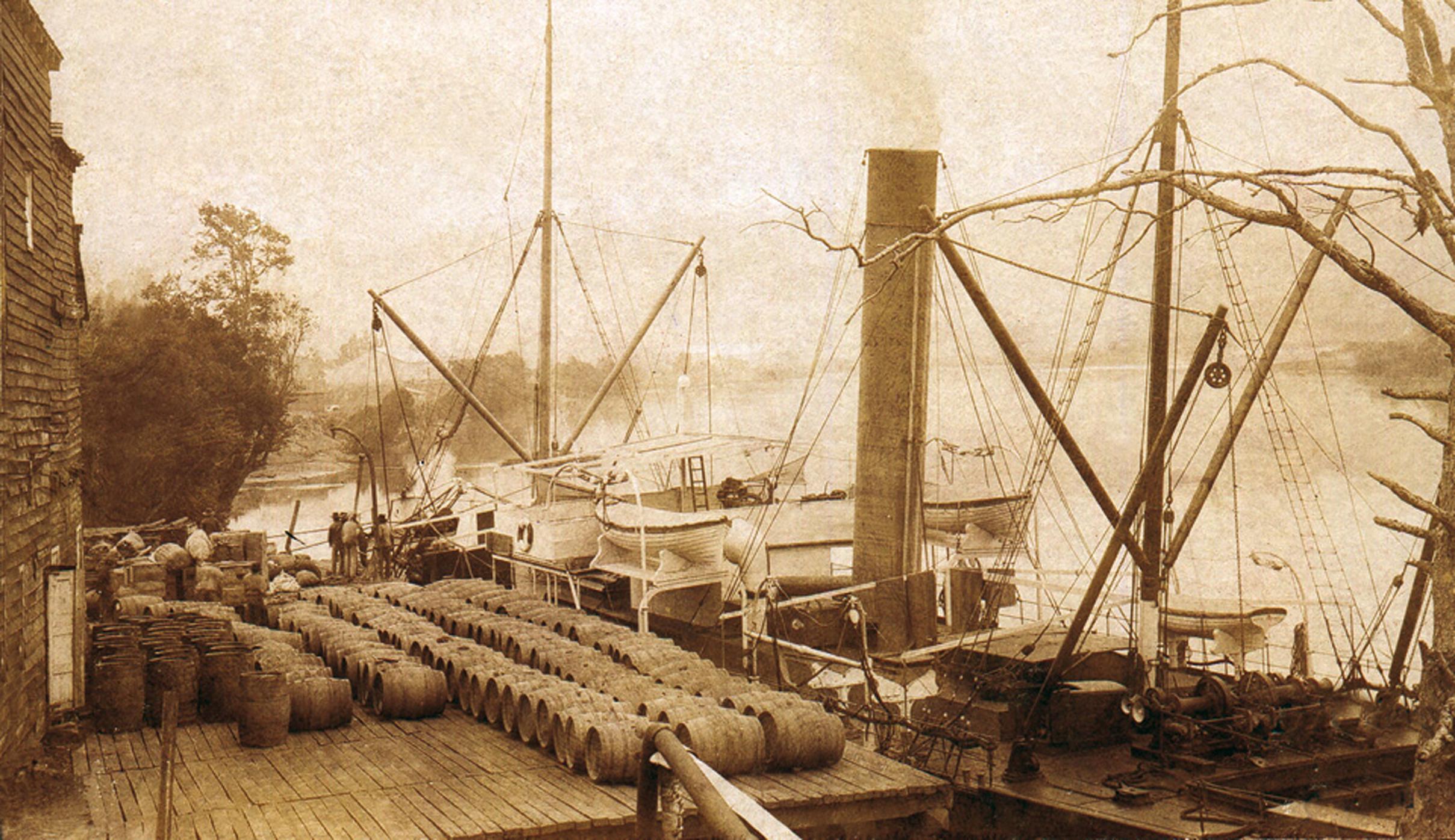 Enterreno - Fotos históricas de chile - fotos antiguas de Chile - Muelle Valck en el río Imperial, Carahue, 1905