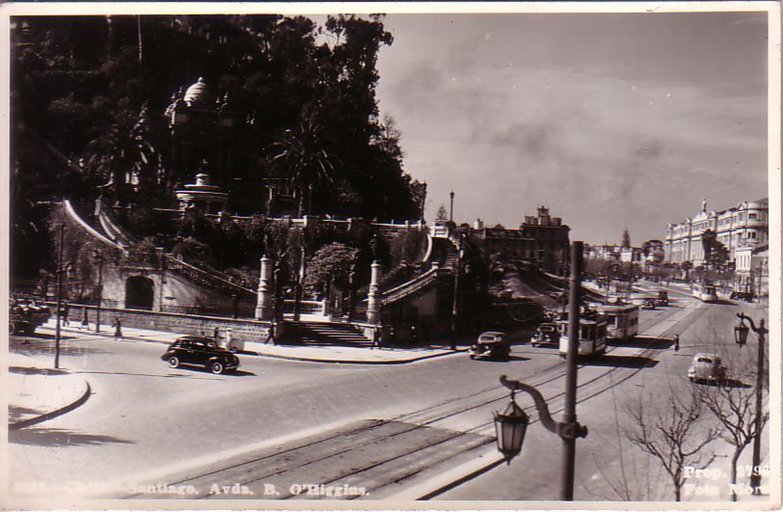 Enterreno - Fotos históricas de chile - fotos antiguas de Chile - Alameda con Santa Lucía, 1938
