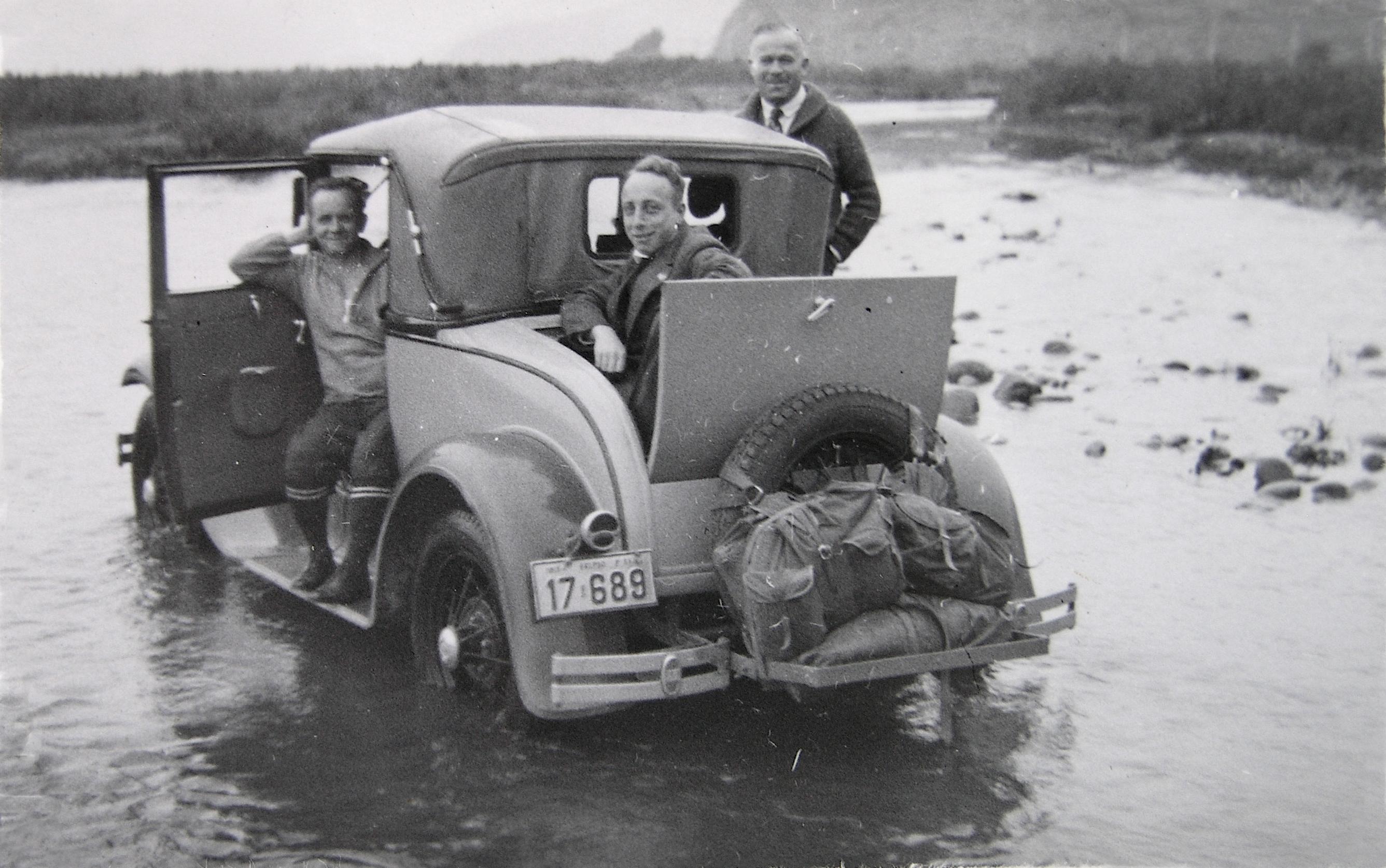 Enterreno - Fotos históricas de chile - fotos antiguas de Chile - En el río Aconcagua en 1934
