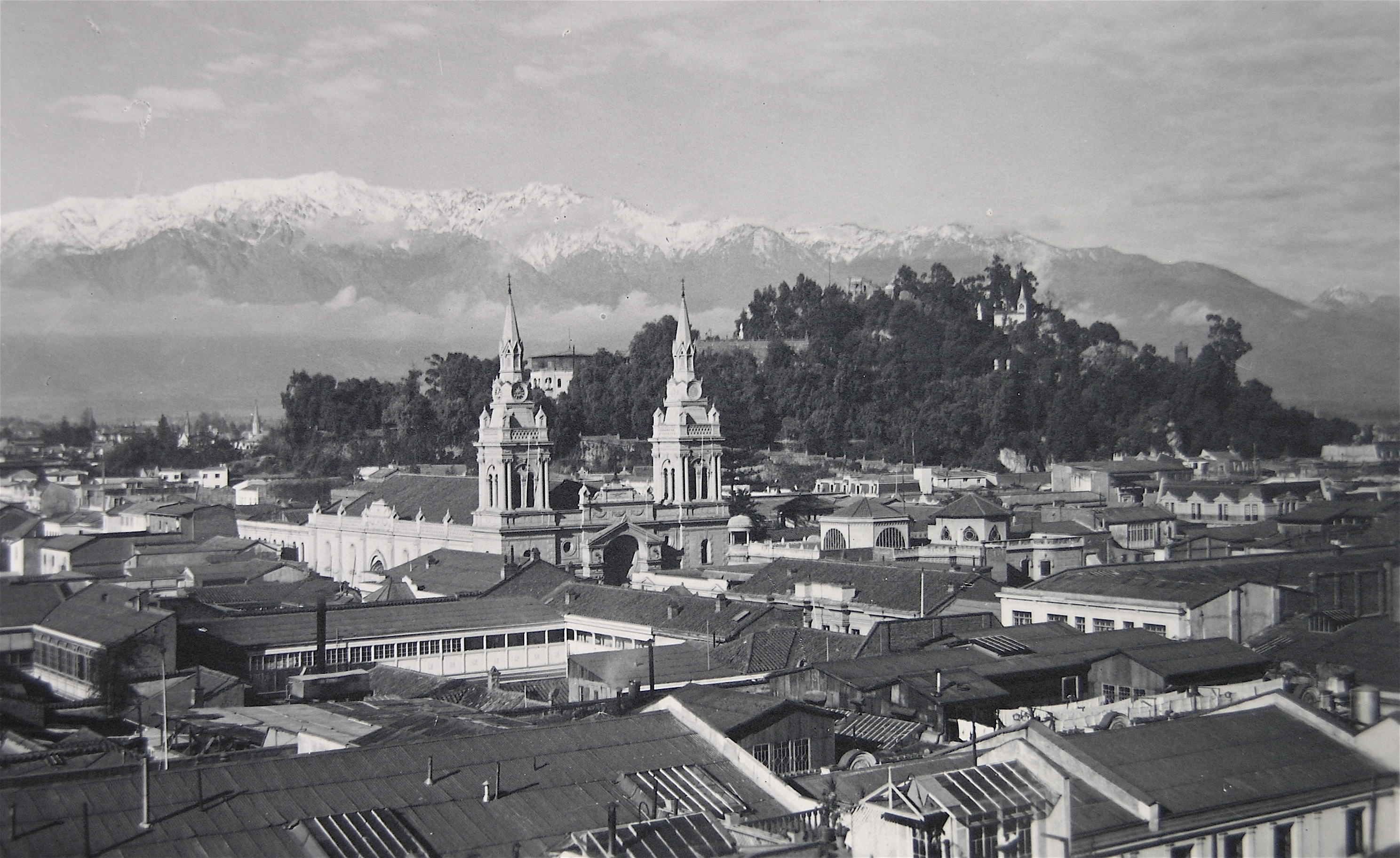 Enterreno - Fotos históricas de chile - fotos antiguas de Chile - Panorama de Santiago en 1933
