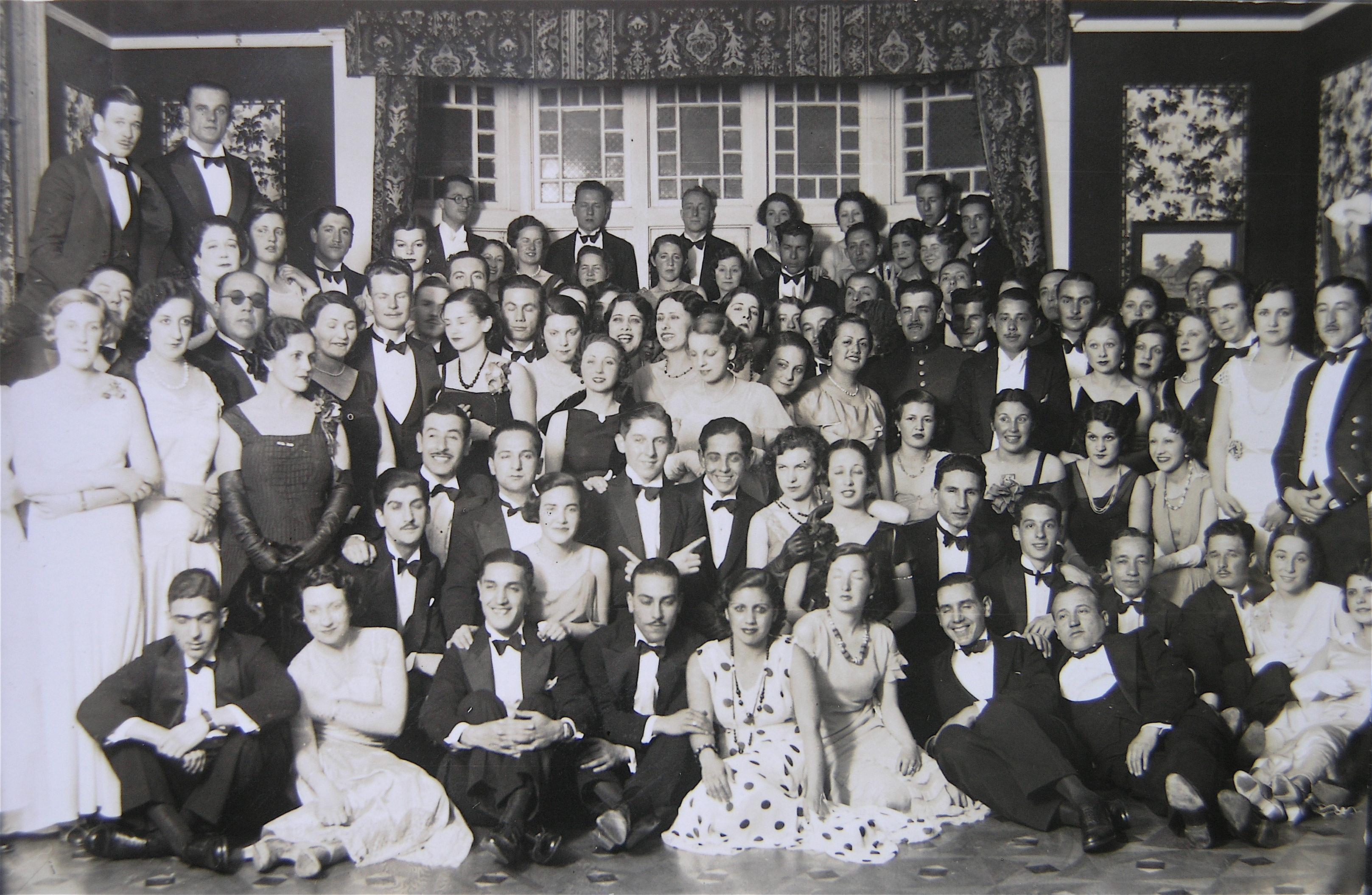 Enterreno - Fotos históricas de chile - fotos antiguas de Chile - Fiesta en el Club Alemán de Valparaíso, 1936