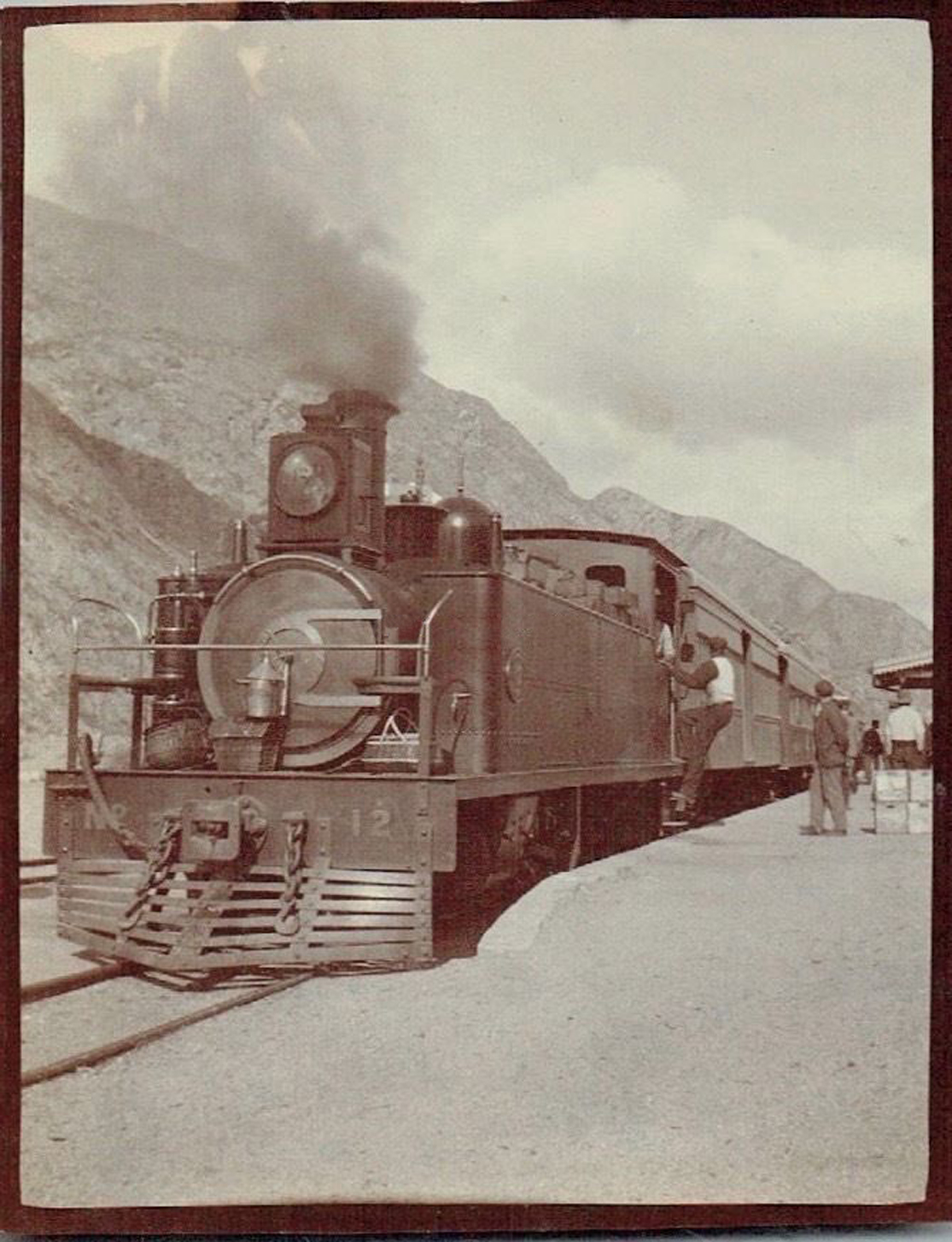 Enterreno - Fotos históricas de chile - fotos antiguas de Chile - Tren Transandino en 1902