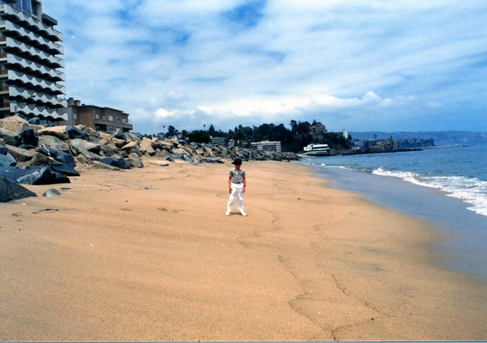 Enterreno - Fotos históricas de chile - fotos antiguas de Chile - Playa Avenida Perú en 1981