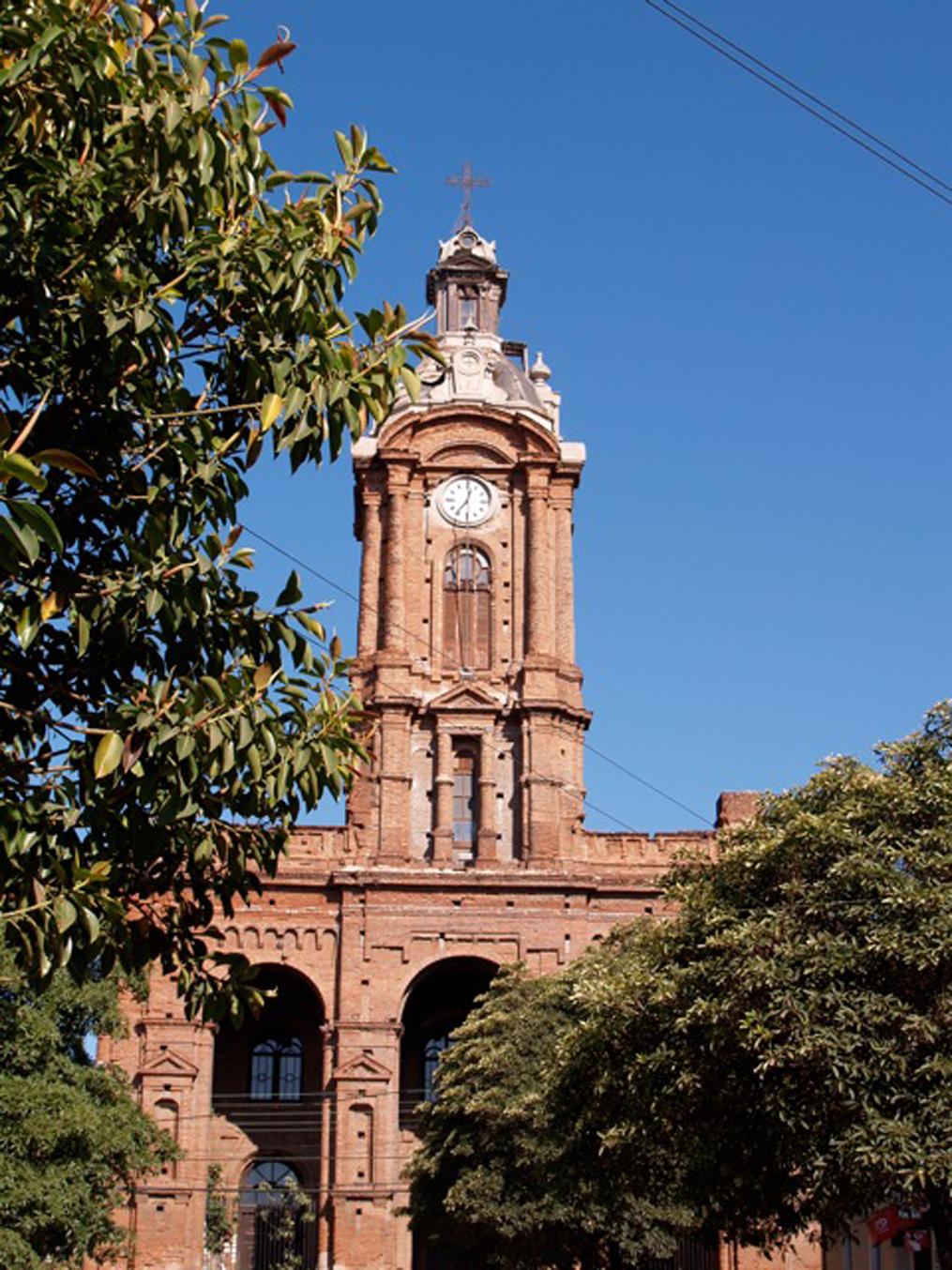 Enterreno - Fotos históricas de chile - fotos antiguas de Chile - Iglesia de San Francisco, Valparaíso en 1998