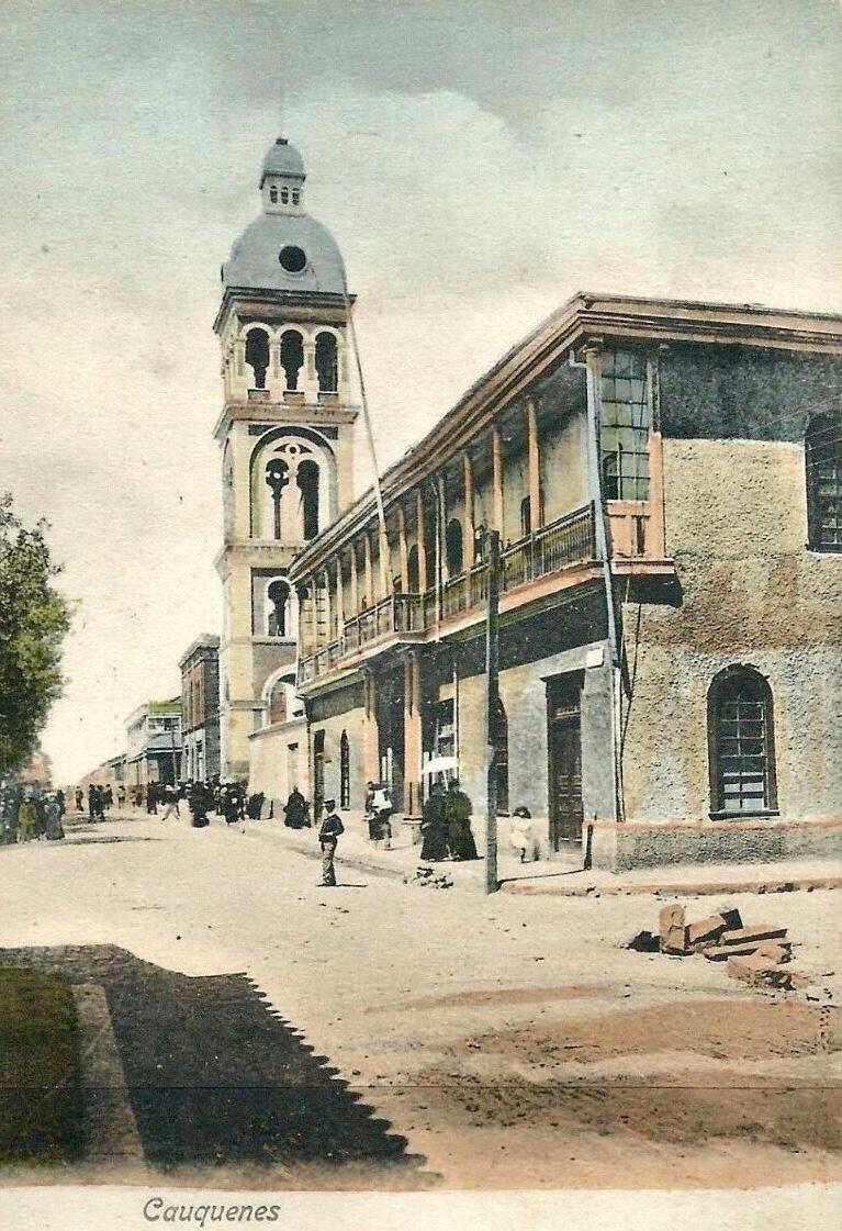 Enterreno - Fotos históricas de chile - fotos antiguas de Chile - Calle Catedral,Cauquenes en 1914