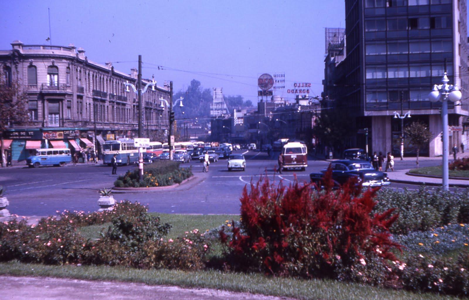 Enterreno - Fotos históricas de chile - fotos antiguas de Chile - Inicio de la Alameda en 1963