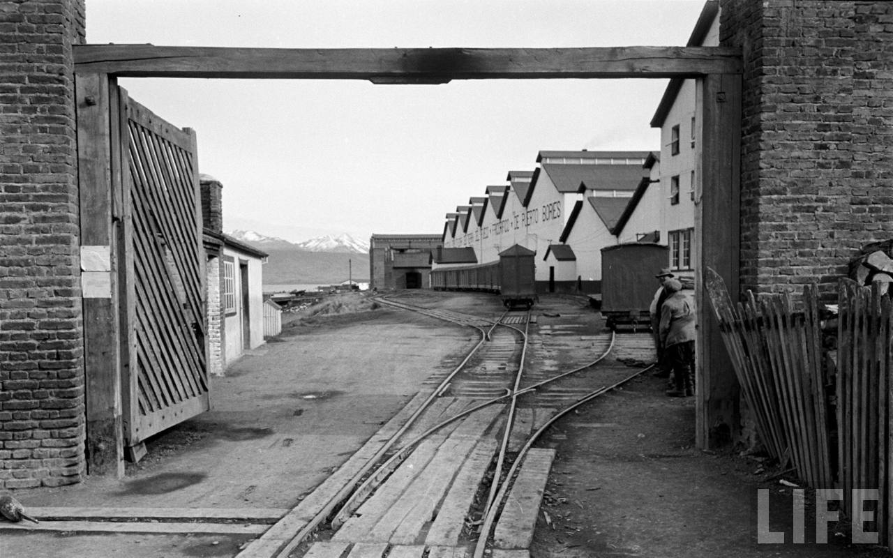 Enterreno - Fotos históricas de chile - fotos antiguas de Chile - bodegas de puerto bories