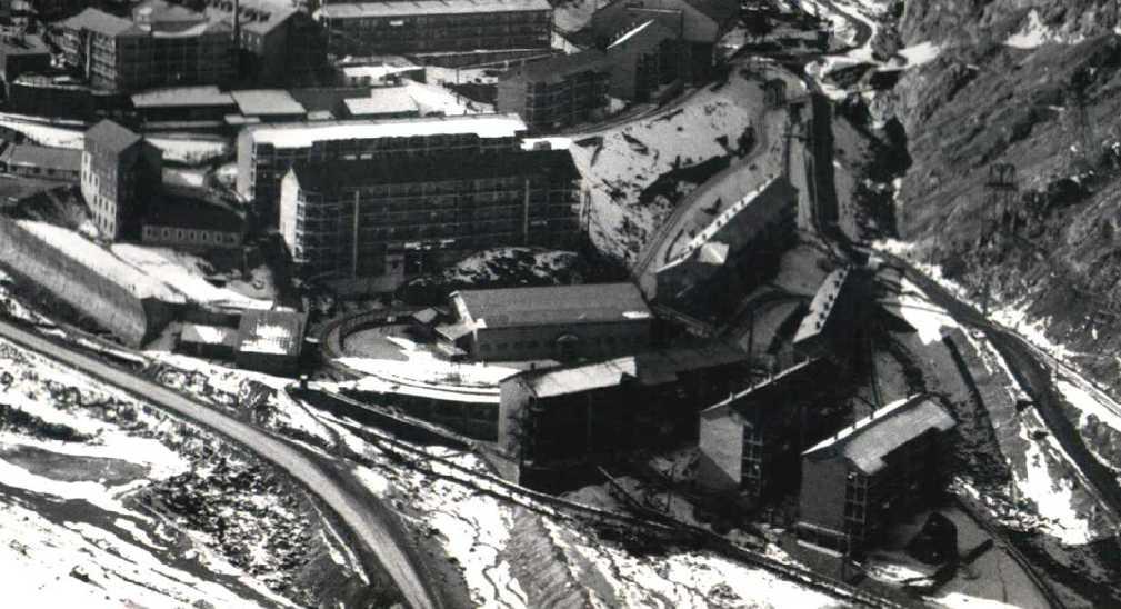 Enterreno - Fotos históricas de chile - fotos antiguas de Chile - Ciudad minera de Sewell, sin año