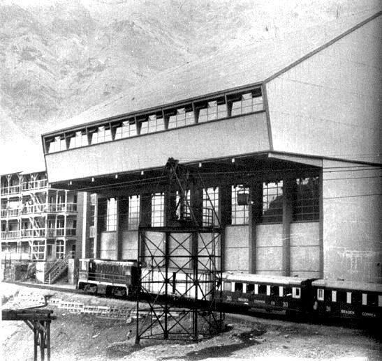 Enterreno - Fotos históricas de chile - fotos antiguas de Chile - Construcción ,Sewell , ca. 1915