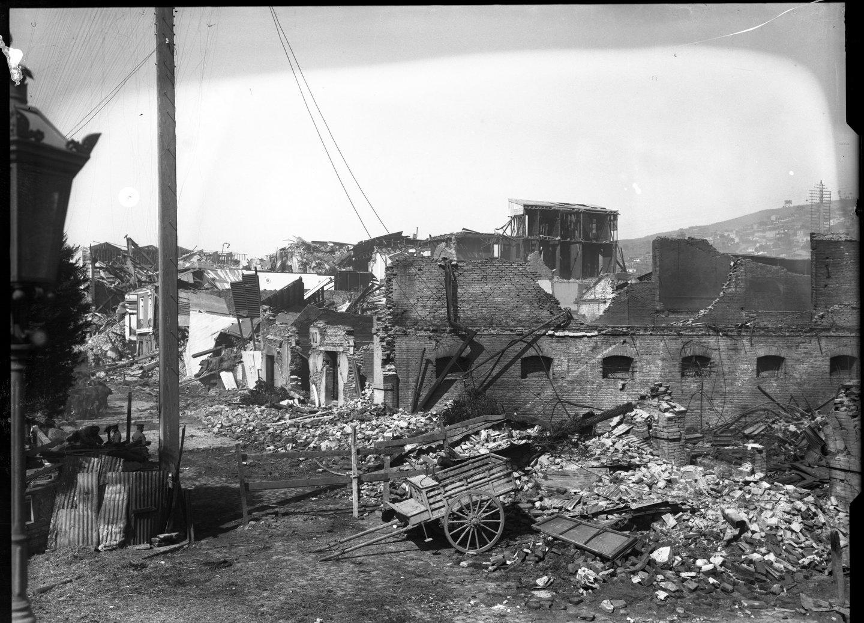Enterreno - Fotos históricas de chile - fotos antiguas de Chile - Terremoto Valparaiso, 1906