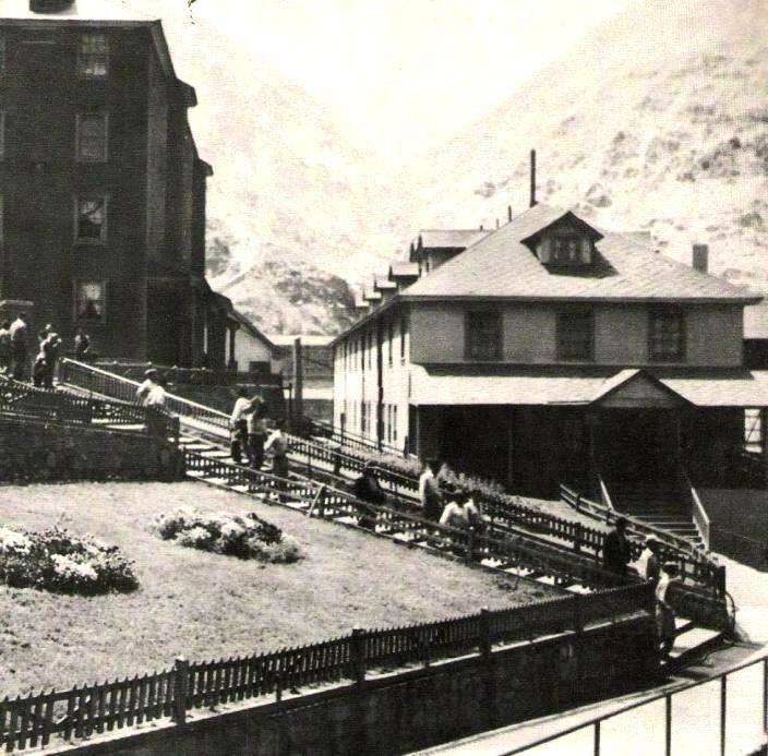 Enterreno - Fotos históricas de chile - fotos antiguas de Chile - Sewell, ca. 1915