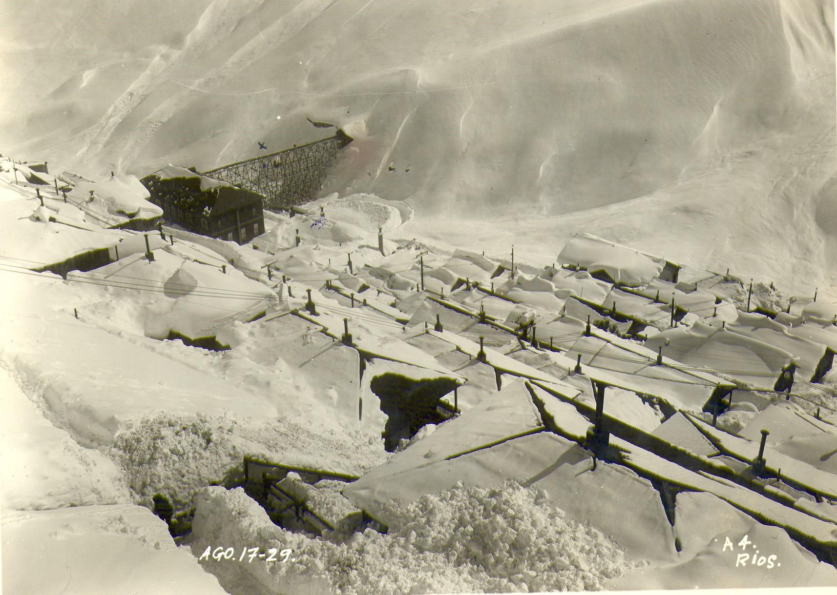 Enterreno - Fotos históricas de chile - fotos antiguas de Chile - Sewell Nevado, 1929