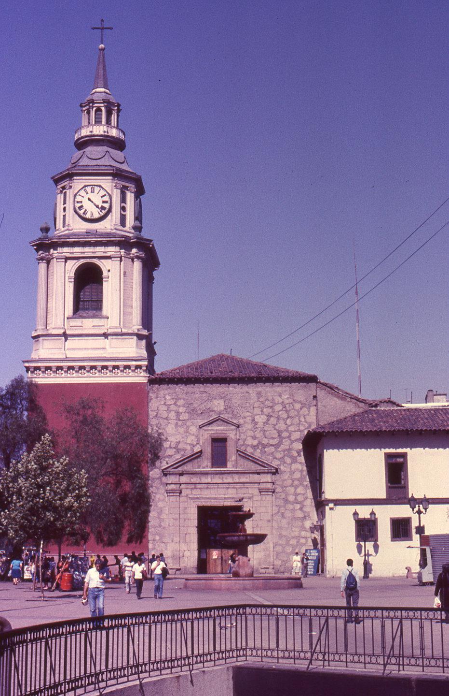 Enterreno - Fotos históricas de chile - fotos antiguas de Chile - Iglesia San francisco en 1960