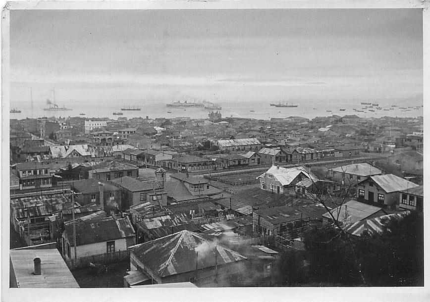 Enterreno - Fotos históricas de chile - fotos antiguas de Chile - Panorámica de Punta Arenas, 1930