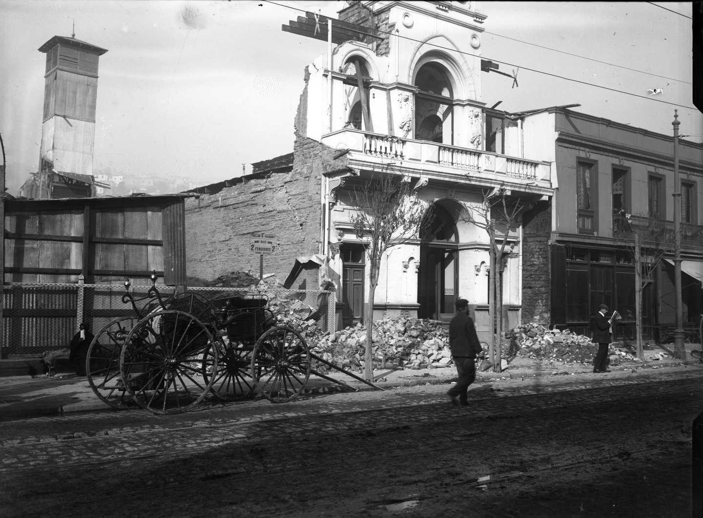Enterreno - Fotos históricas de chile - fotos antiguas de Chile - Terremoto de Valparaiso en 1906