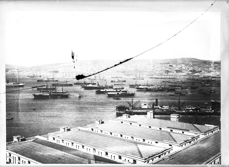 Enterreno - Fotos históricas de chile - fotos antiguas de Chile - Bahia Valparaiso en 1911