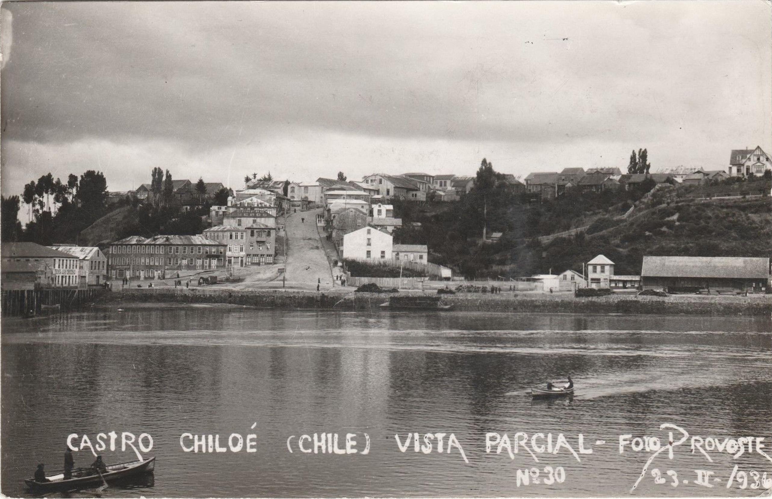 Enterreno - Fotos históricas de chile - fotos antiguas de Chile - Castro en 1936