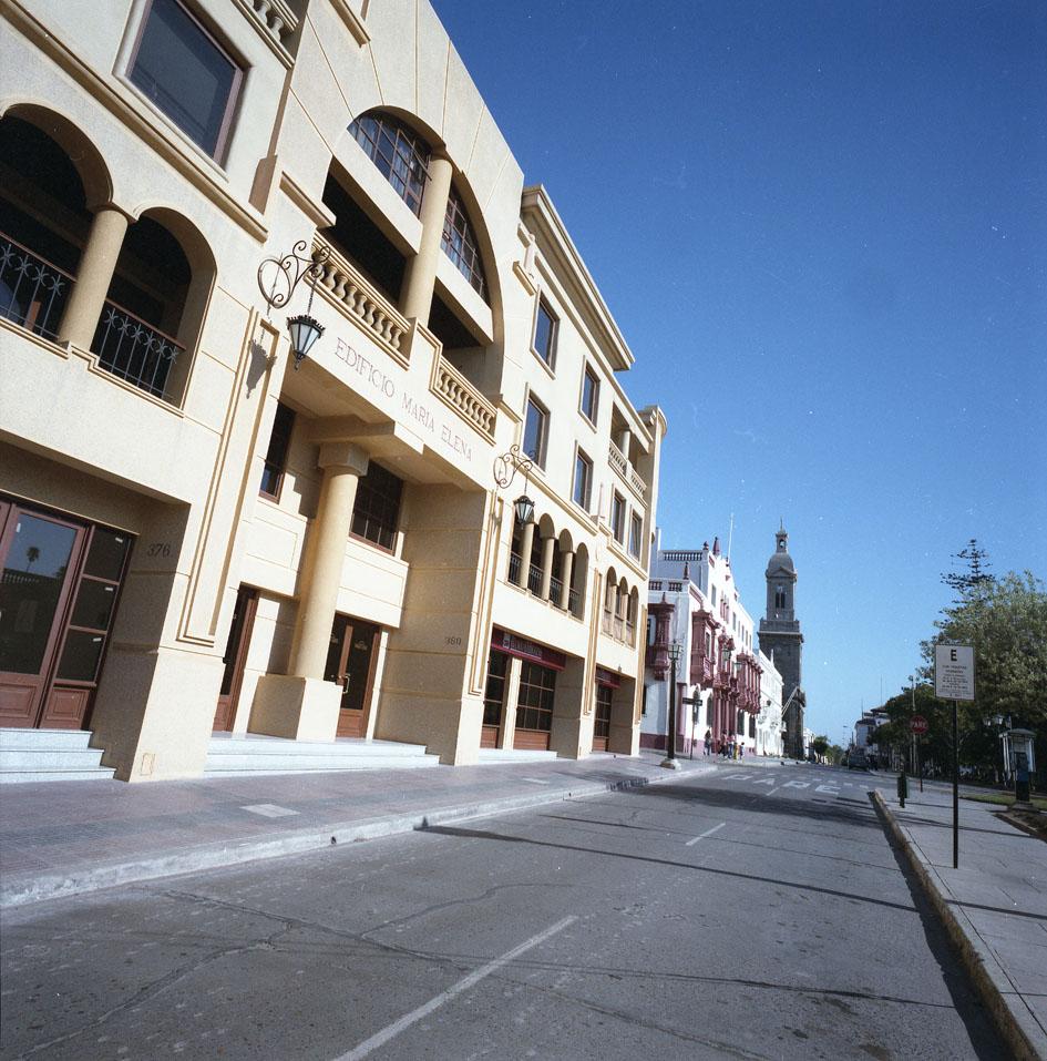 Enterreno - Fotos históricas de chile - fotos antiguas de Chile - Edificio María Elena, La Serena