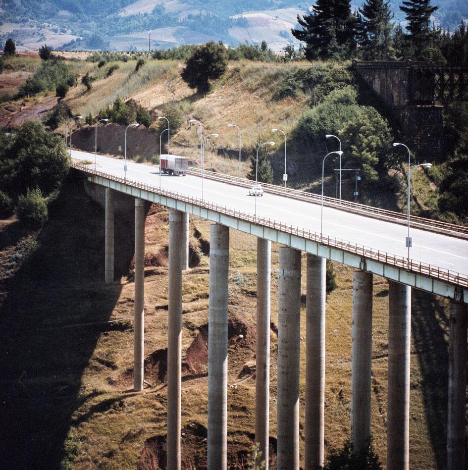 Enterreno - Fotos históricas de chile - fotos antiguas de Chile - Puente Malleco, 1970