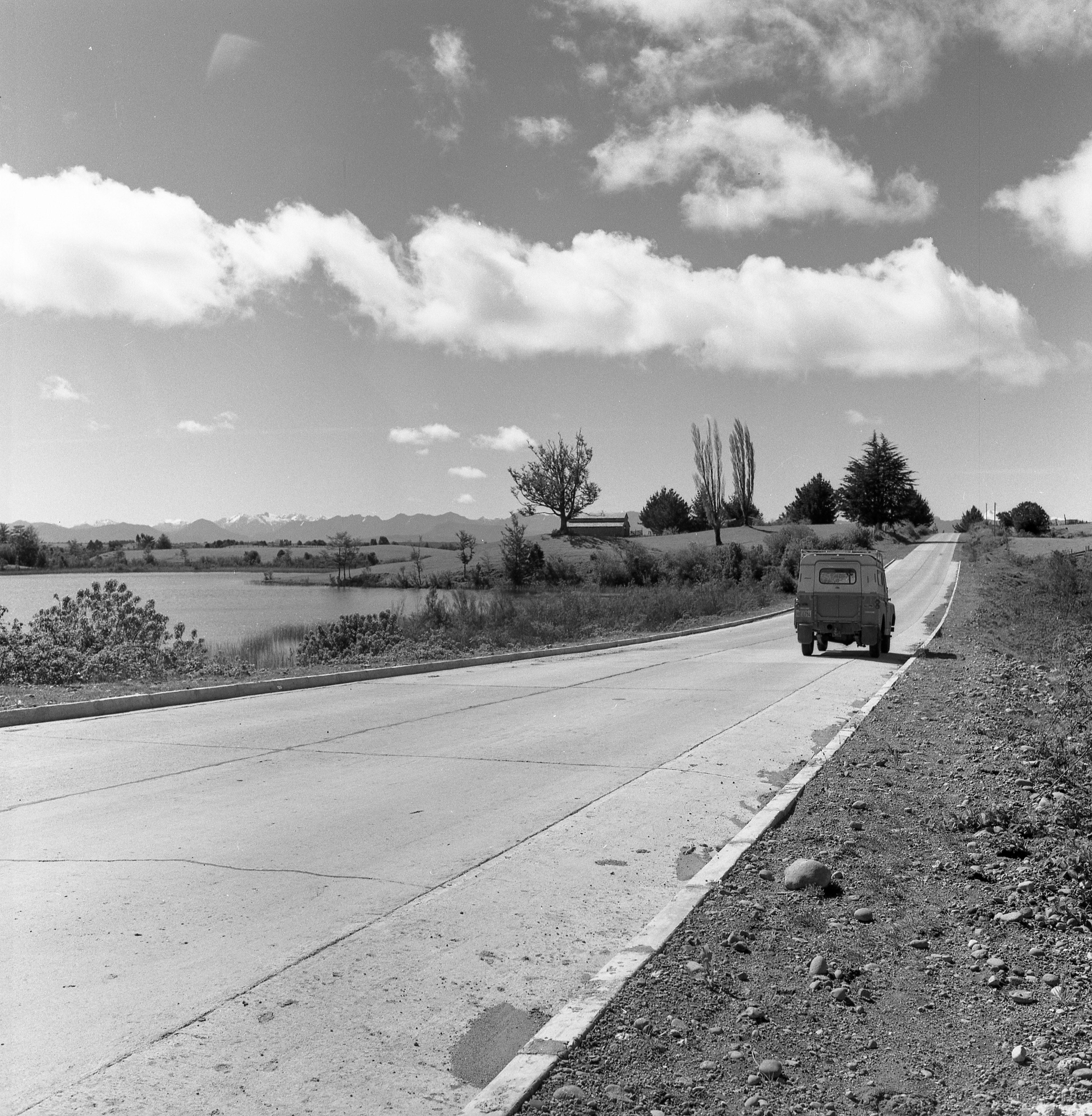 Enterreno - Fotos históricas de chile - fotos antiguas de Chile - Valdivia, 1965.
