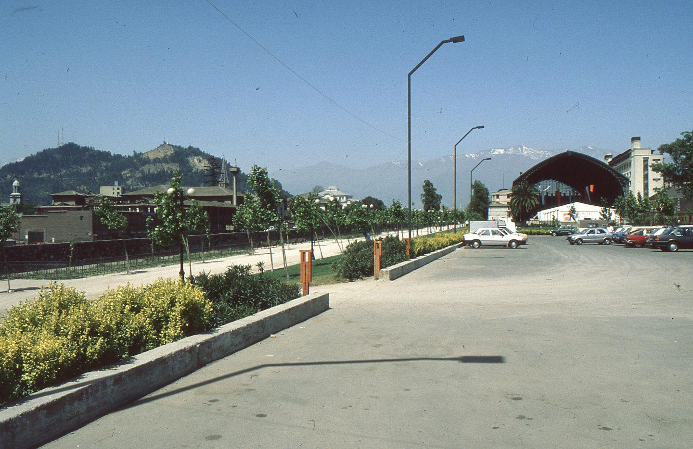 Enterreno - Fotos históricas de chile - fotos antiguas de Chile - Vista posterior Estación Mapacho, ca 1980