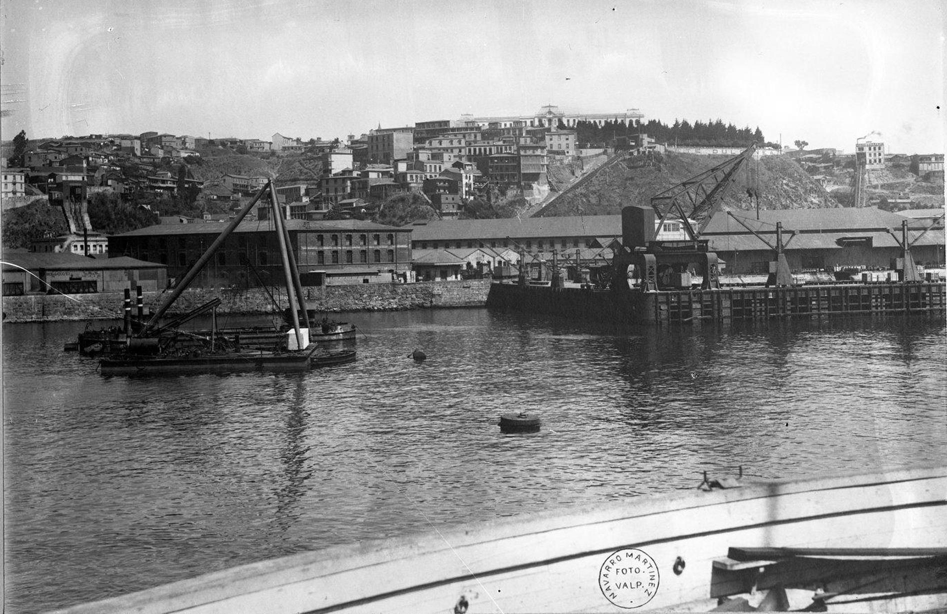 Enterreno - Fotos históricas de chile - fotos antiguas de Chile - Museo Marítimo Nacional en 1911