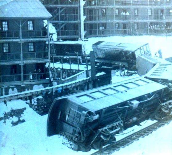 Enterreno - Fotos históricas de chile - fotos antiguas de Chile - Accidente ferroviario Sewell, ca. 1960