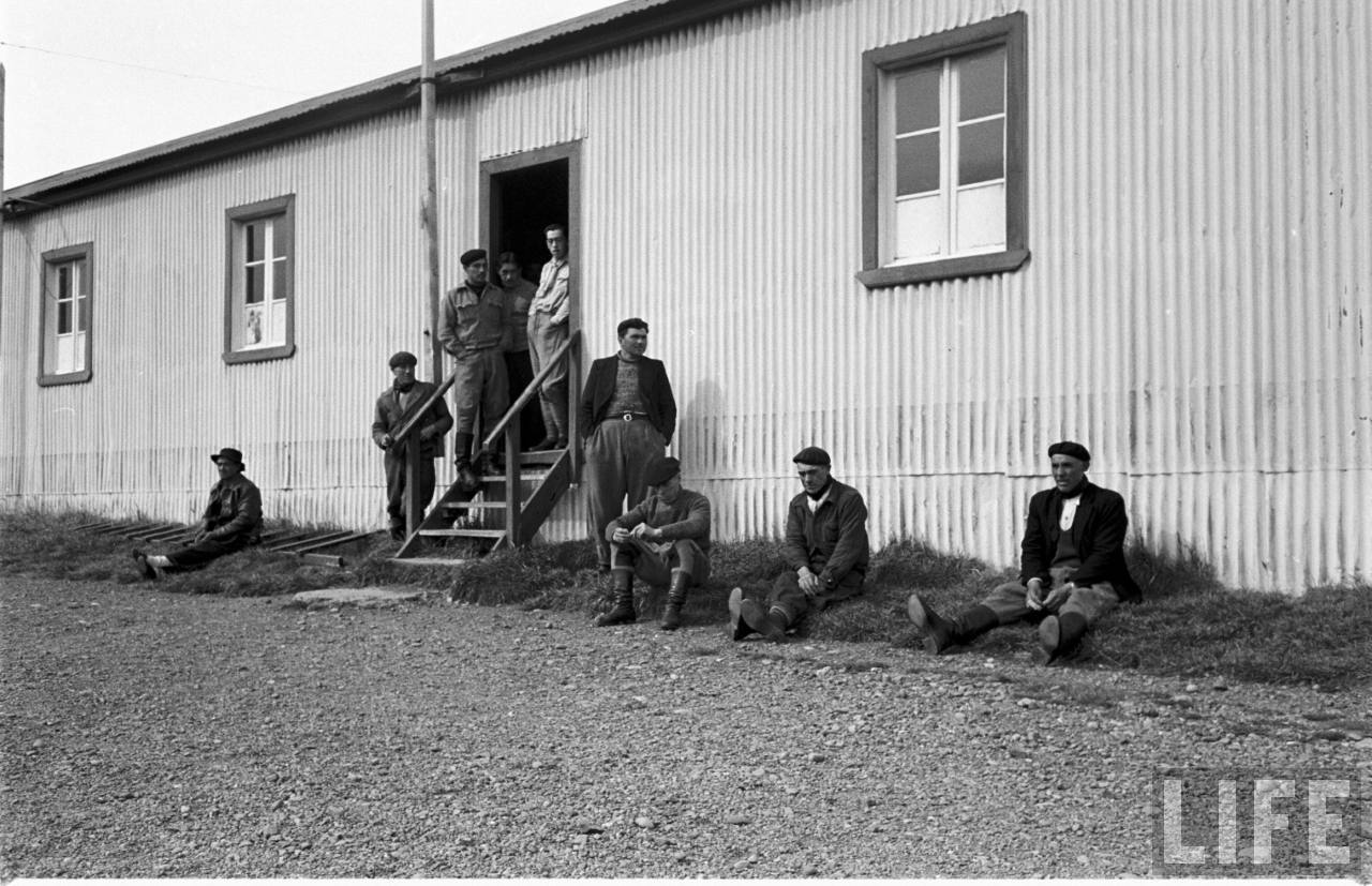 Enterreno - Fotos históricas de chile - fotos antiguas de Chile - Hacienda en la Patagonia, 1950