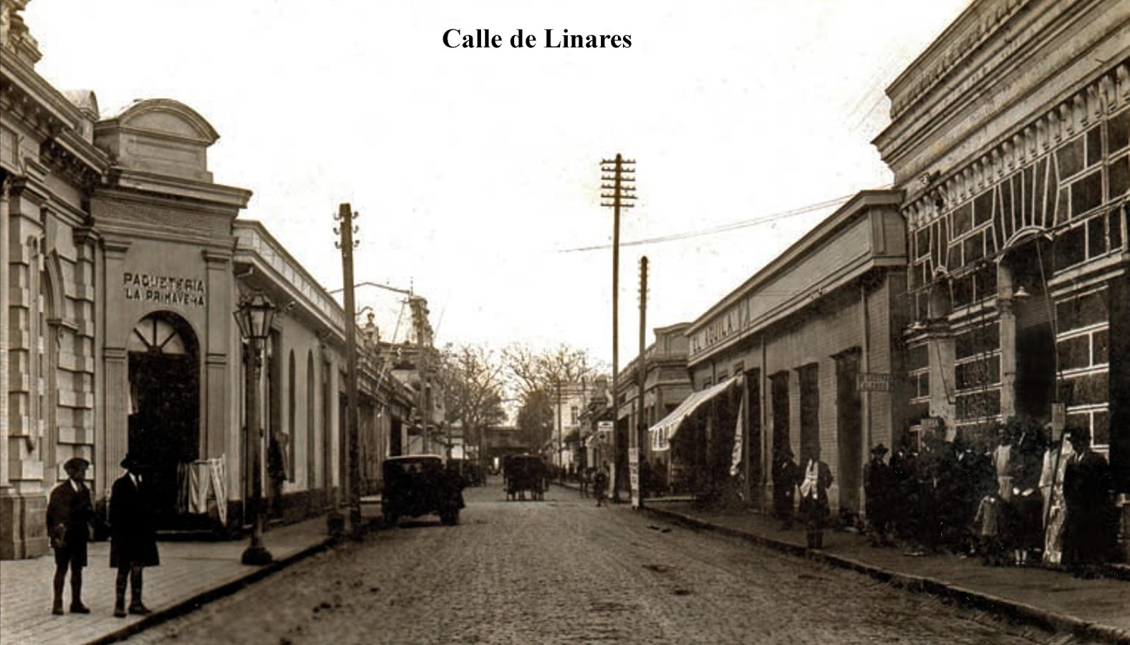 Enterreno - Fotos históricas de chile - fotos antiguas de Chile - Calle Sotomayor de Linares en 1930