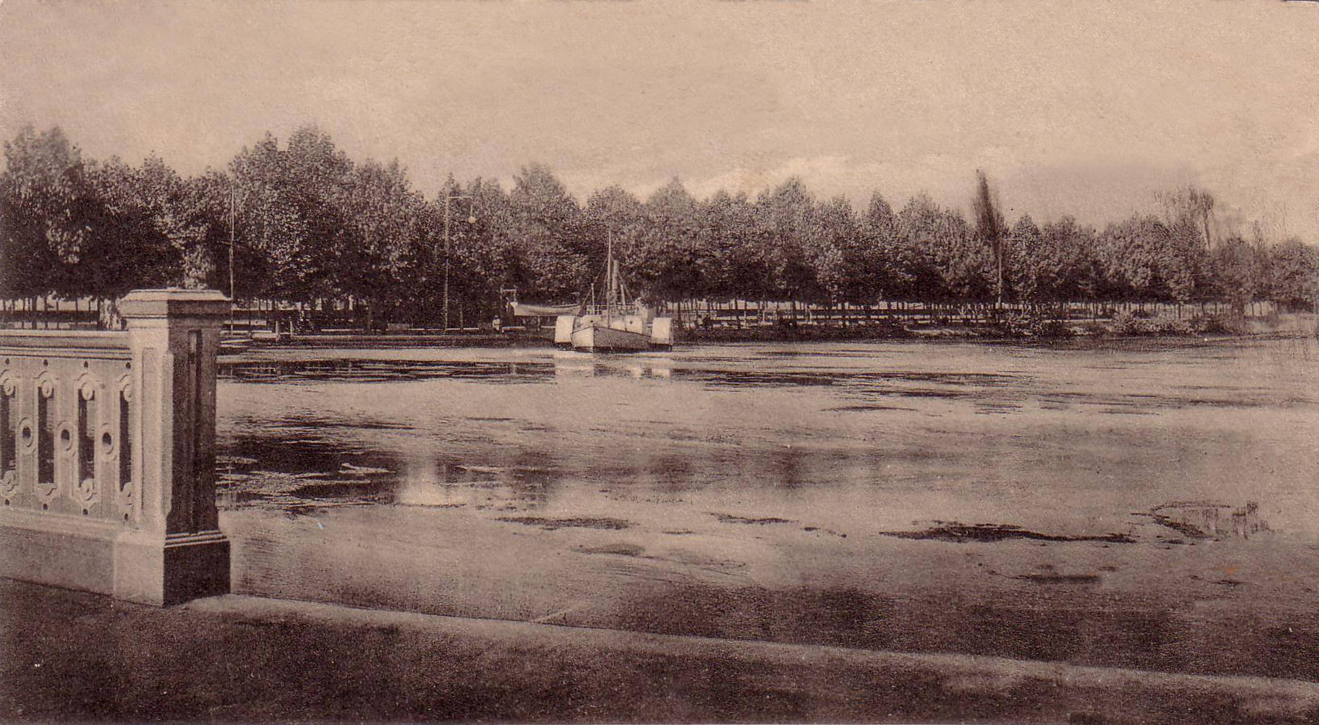 Enterreno - Fotos históricas de chile - fotos antiguas de Chile - Laguna del Parque Forestal en 1900