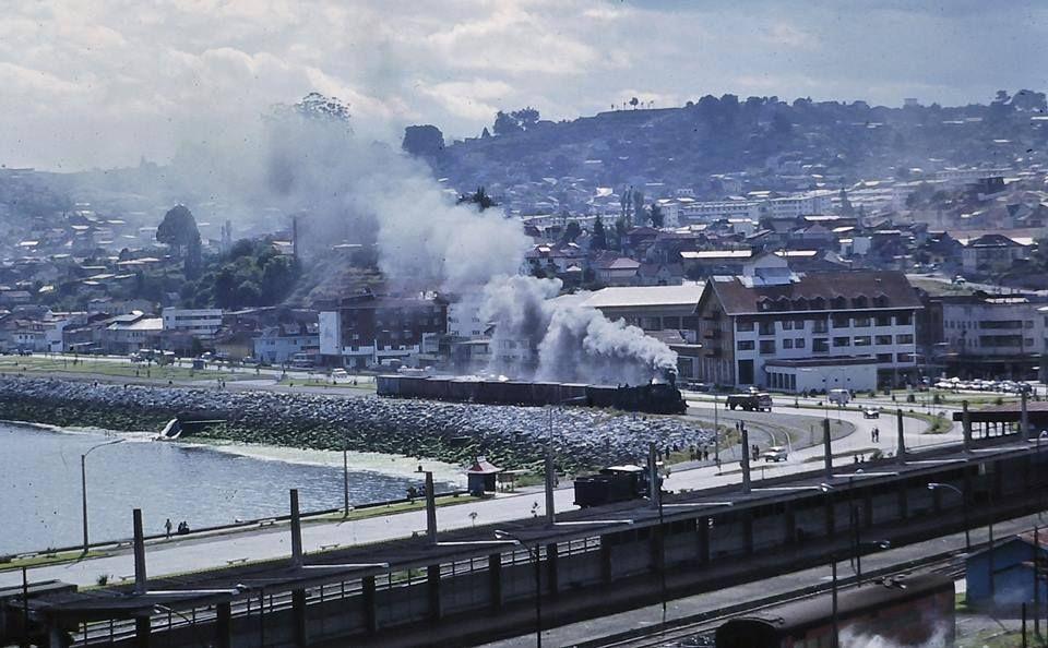 Enterreno - Fotos históricas de chile - fotos antiguas de Chile - Tren en Puerto Montt, 1987