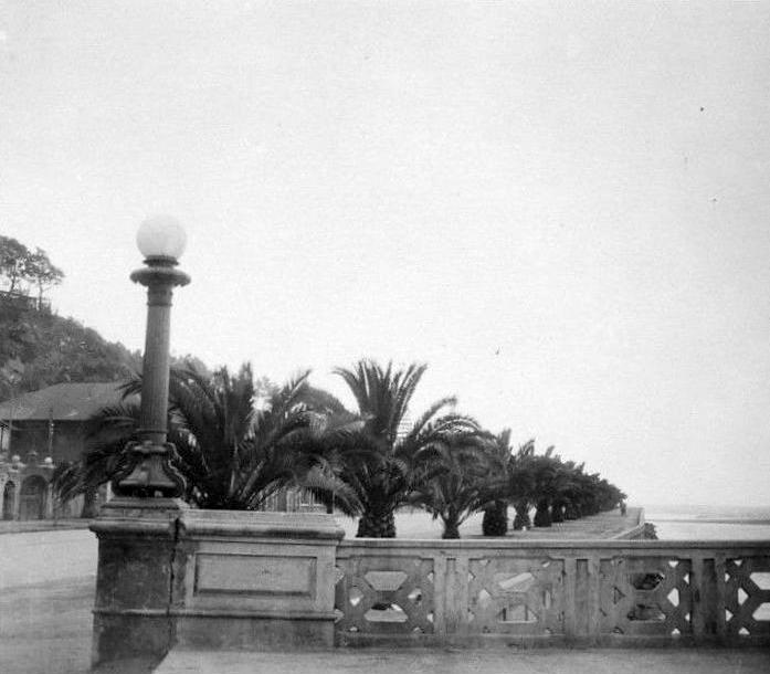 Enterreno - Fotos históricas de chile - fotos antiguas de Chile - Antiguo Puente Casino y avenida La Marina en Viña del Mar, 1930