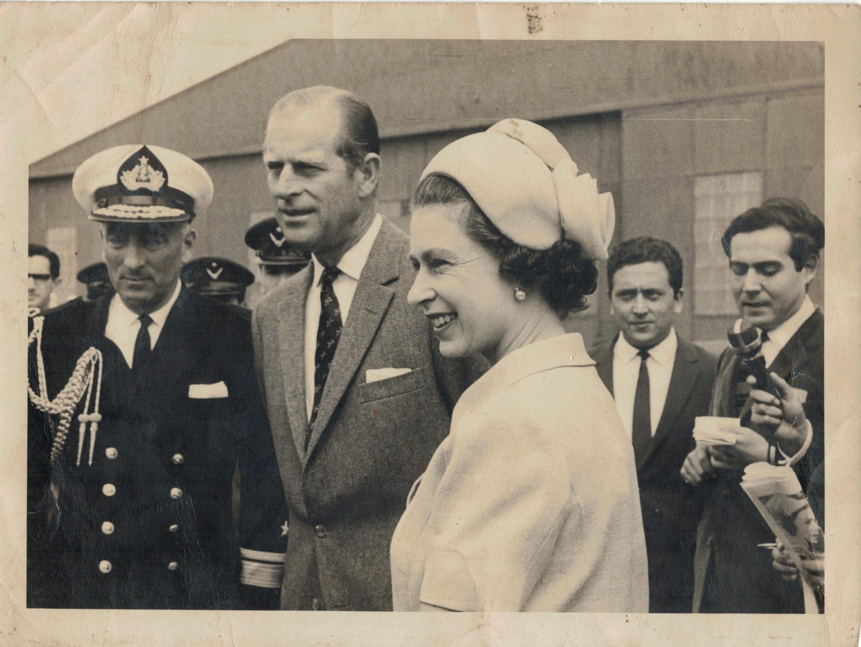 Enterreno - Fotos históricas de chile - fotos antiguas de Chile - Reina Isabel en Base Aérea de Quintero, 1968